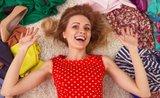 Poraďte si s jarným upratovaním šatníka týmito trikmi