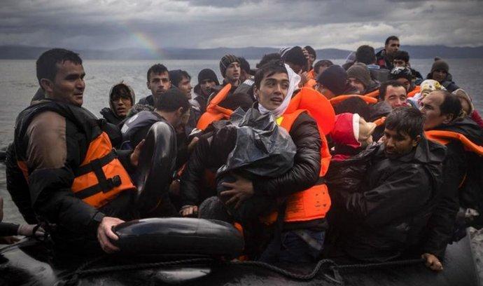 Uprchlíci při plavbě s Turecka do Řecka