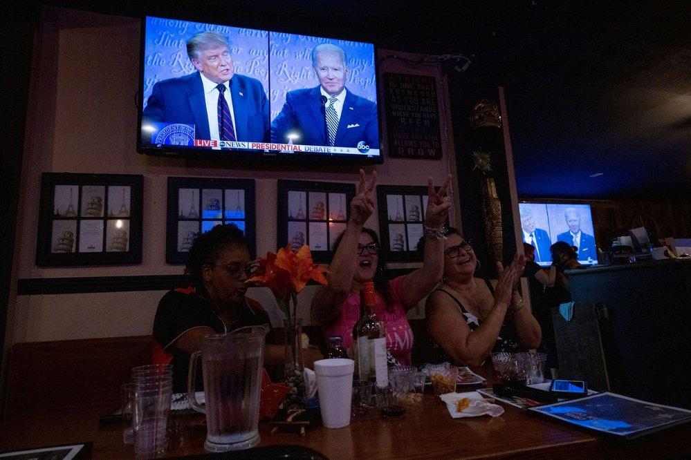 První debata kandidátů před americkými prezidentskými volbami