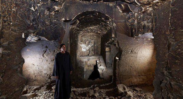 Archeologové v Egyptě objevili tajuplnou božskou hrobku