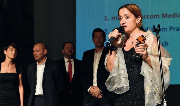 """""""V onlinu se dobře počítá výkonnost každé proinvestované koruny,"""" říká ředitelka Starcom Mediavest Group Martina Říhová."""