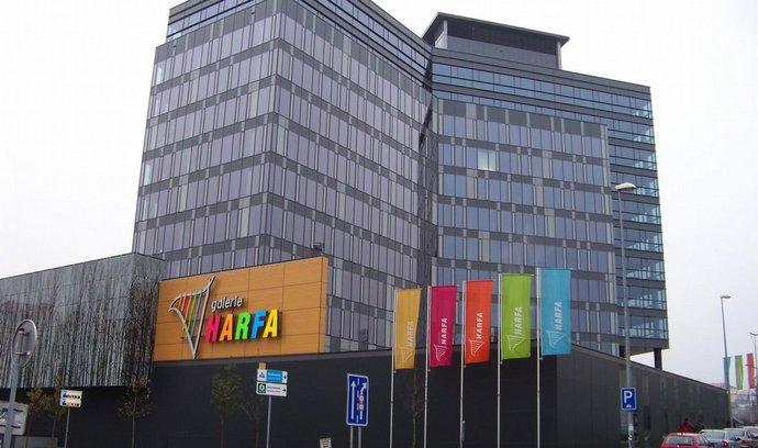 V rámci projektu Galerie Harfa byla postavena i administrativní budova Amadeus. Výstavba dalších administrativních budov se připravuje.