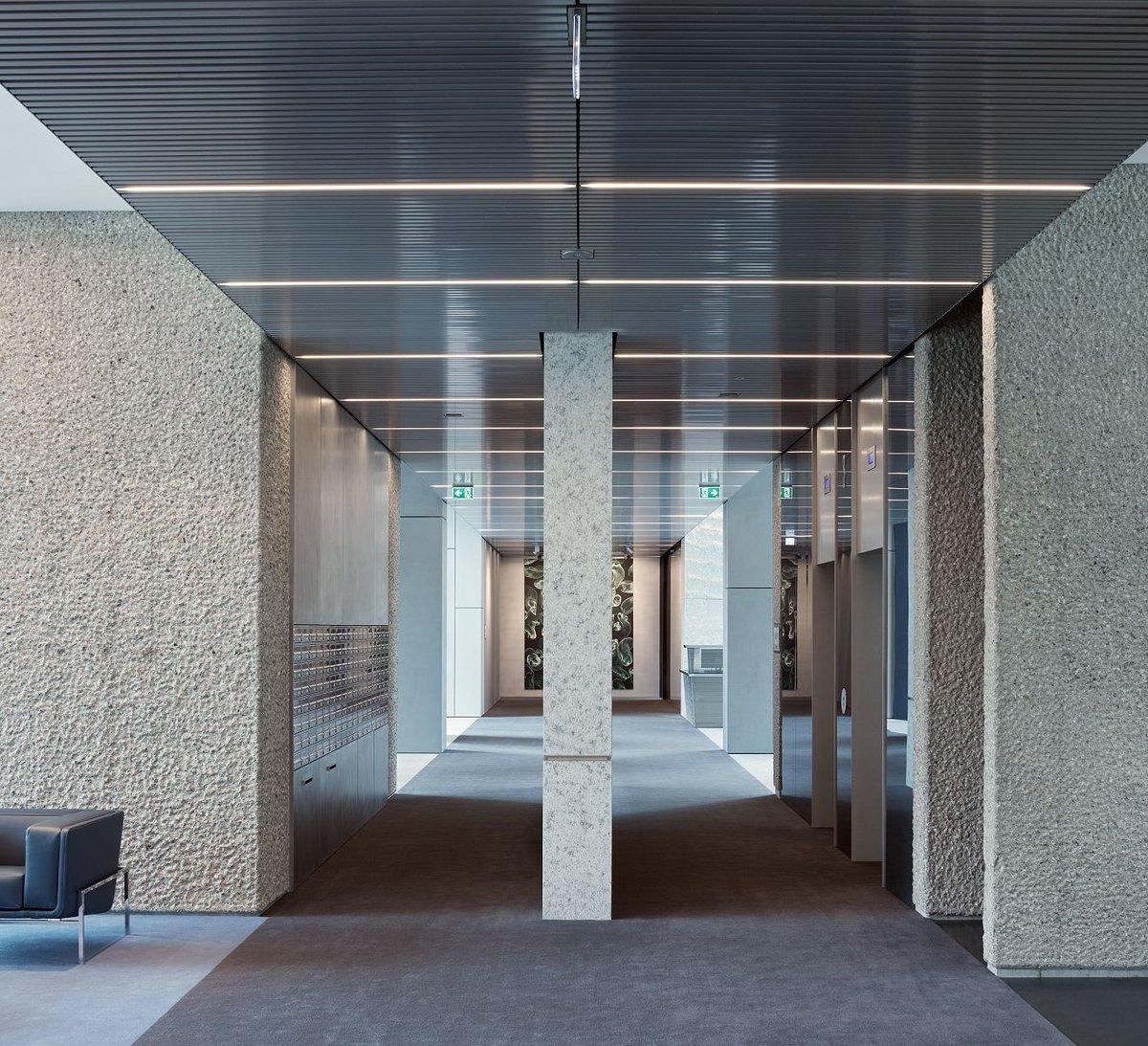 V-tower je se svými 30 patry největší bytový dům v Česku