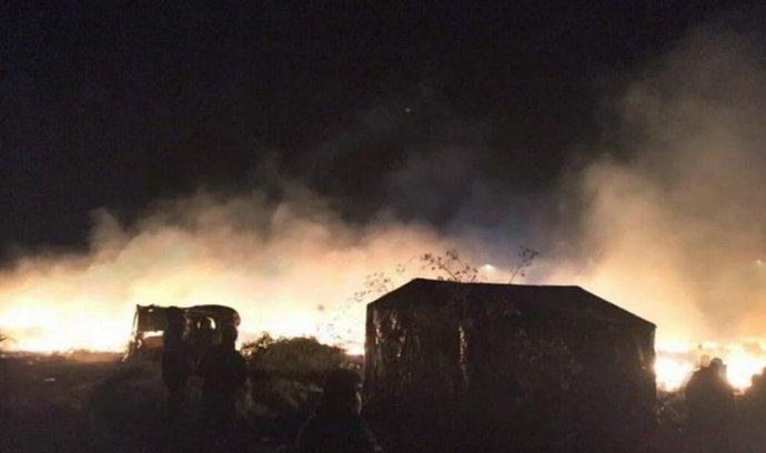 V uprchlickém táboře v Calais vypukl mohutný požár