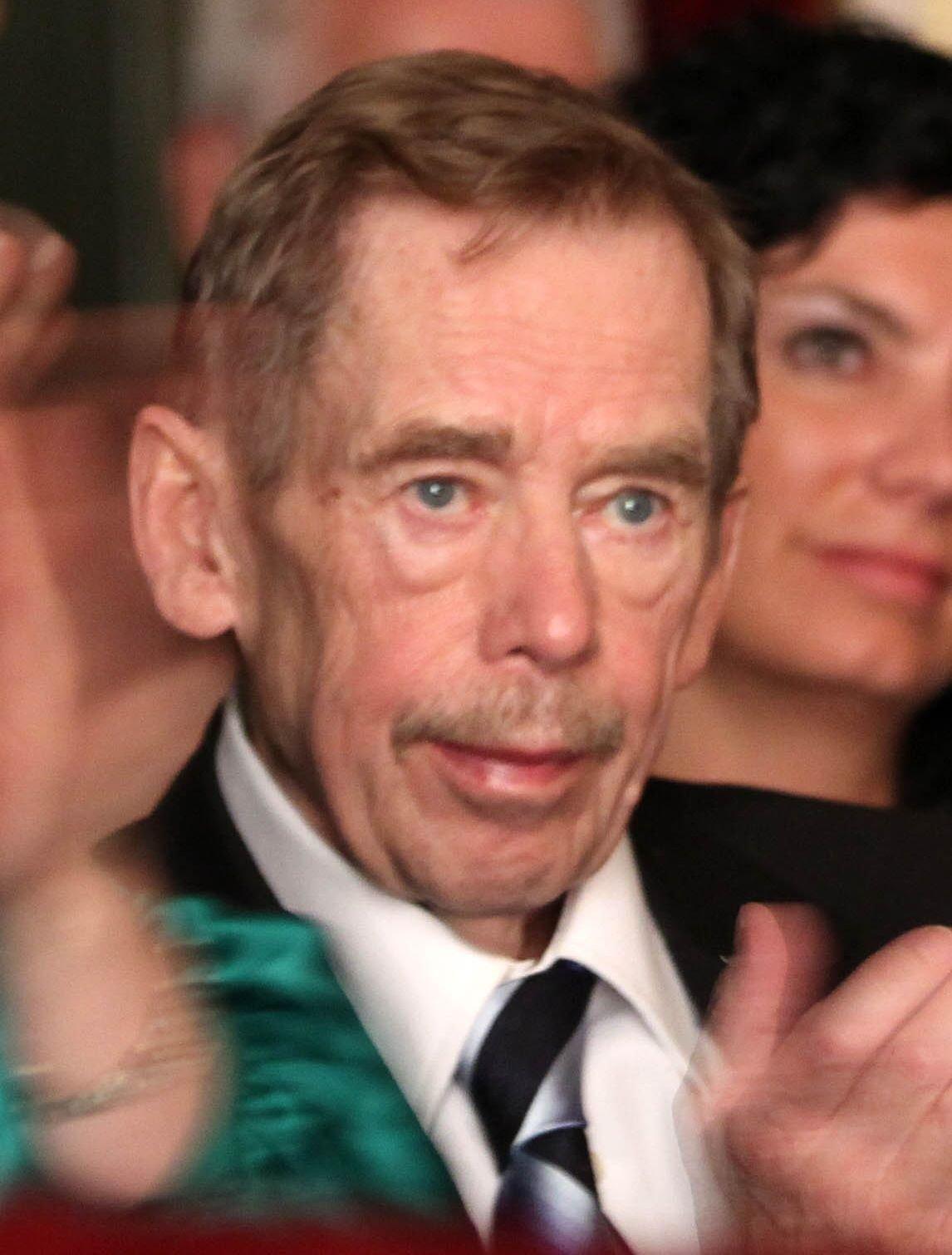 Václav Havel (†75)