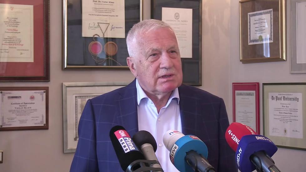 Exprezident Václav Klaus na půdě svého institutu (2.9.2021)