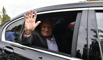 Václav Klaus míří z nemocnice rovnou do Institutu. Klidový režim prý dodržovat nebude