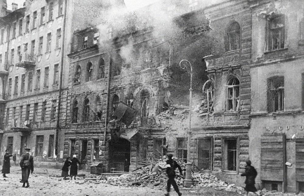 Podle odhadů zemřelo během blokády Leningradu více než milion jeho obyvatel.