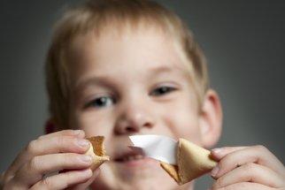 Upečte si štěstíčka: Sušenky se vzkazem k Mezinárodnímu dni štěstí
