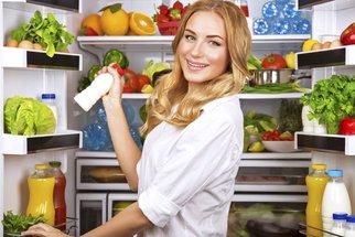 9 tipů, jak skladovat potraviny! Víte, kam patří česnek, vejce nebo brambory?