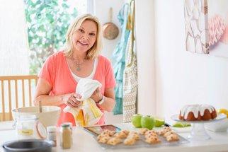 7 tipů, jak vylepšit základní třené těsto na bábovky nebo bublaniny