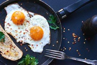 Božská snídaně z vajec 6x jinak: Míchaná, lívance i omeleta!