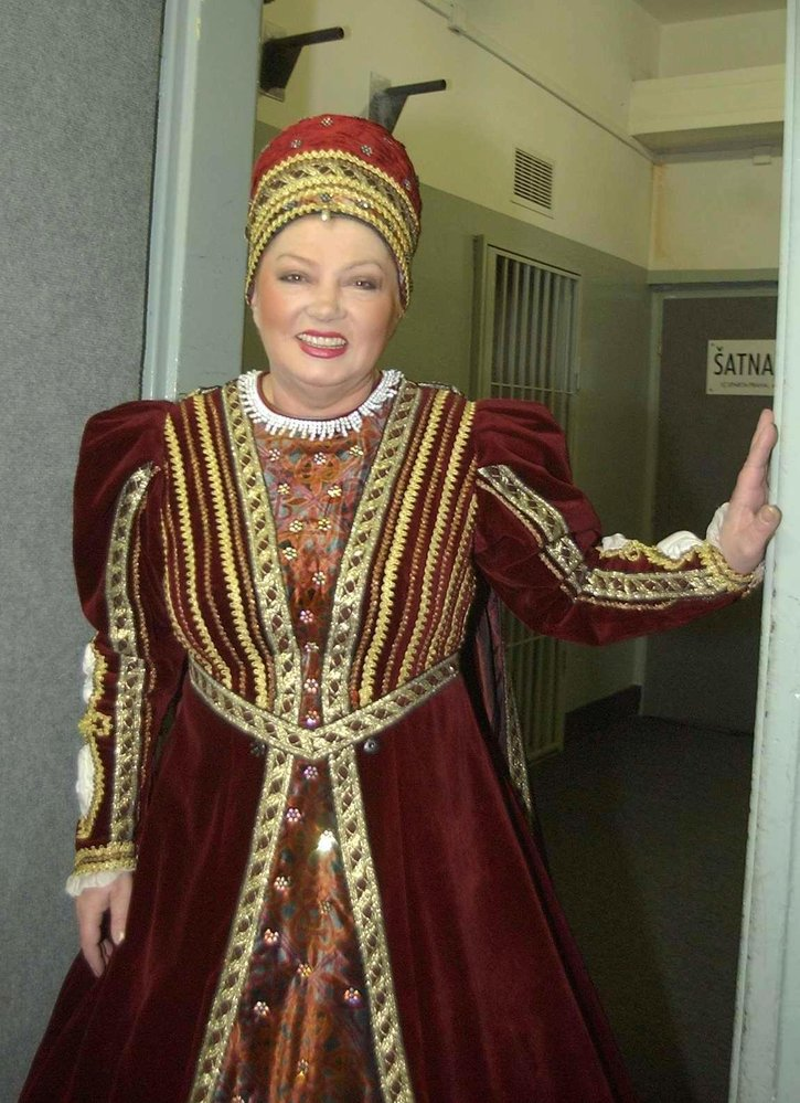 2007 - Nebála se experimentovat. Vystupovala i v lední revue Romeo a Julie.