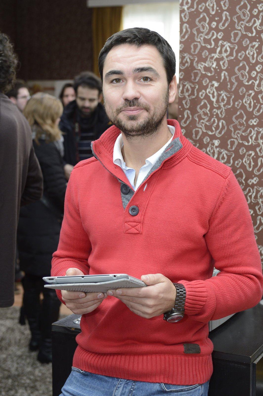 Manžel Biser Arichtev.