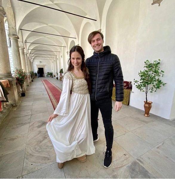 Veronika Khek Kubařová a Dominik Vodička se více než rok po vítězství ve StarDance setkali při natáčení Tajemství staré bambitky 2.