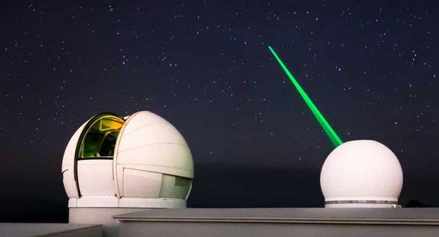 Velký úklid: Kosmické smetí z oběžné dráhy vyčistí laser