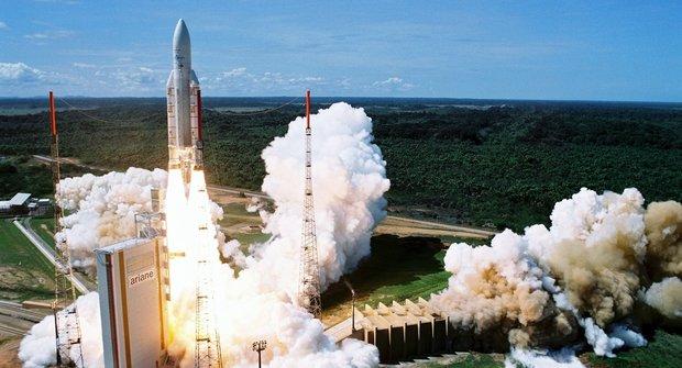 Jak se dostat do vesmíru? Součástí kosmické agentury jsou i Češi!