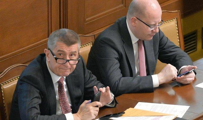 Vicepremiér Andrej Babiš a předseda vlády Bohuslav Sobotka