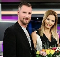 Moderátoři VIP zpráv: Ivana Gottová, Petr Vágner