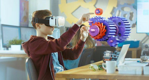 Virtuální realita v chemii, fyzice nebo biologii? Nové cesty za poznáním ve školách