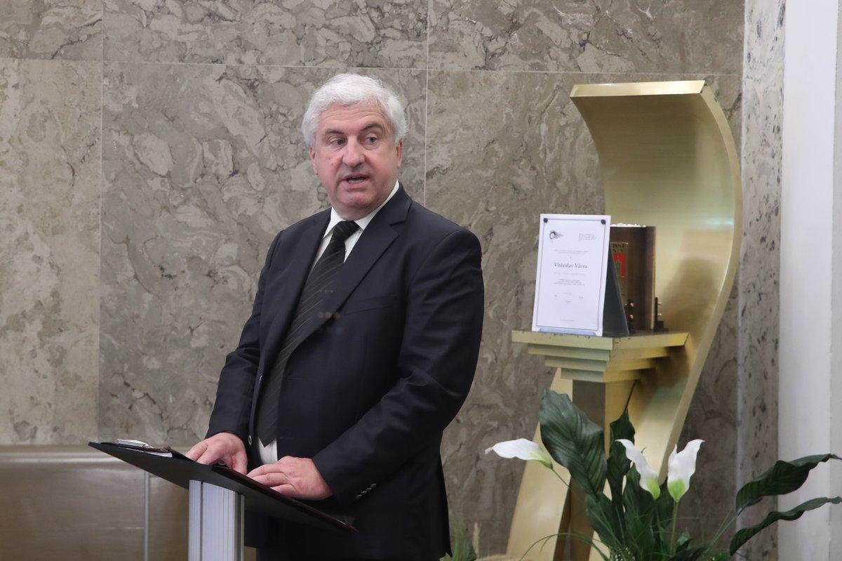 Smuteční řeč měl moderátor ČT Přemysl Čech.