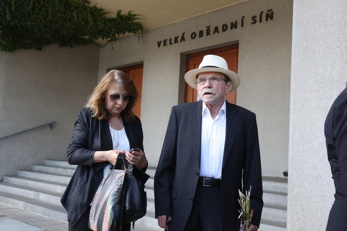 Jaroslav Uhlíř se svou paní.
