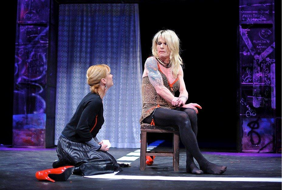 2010 - Vladimír Marek si zahrál prostitutku v představení Vše o mé matce