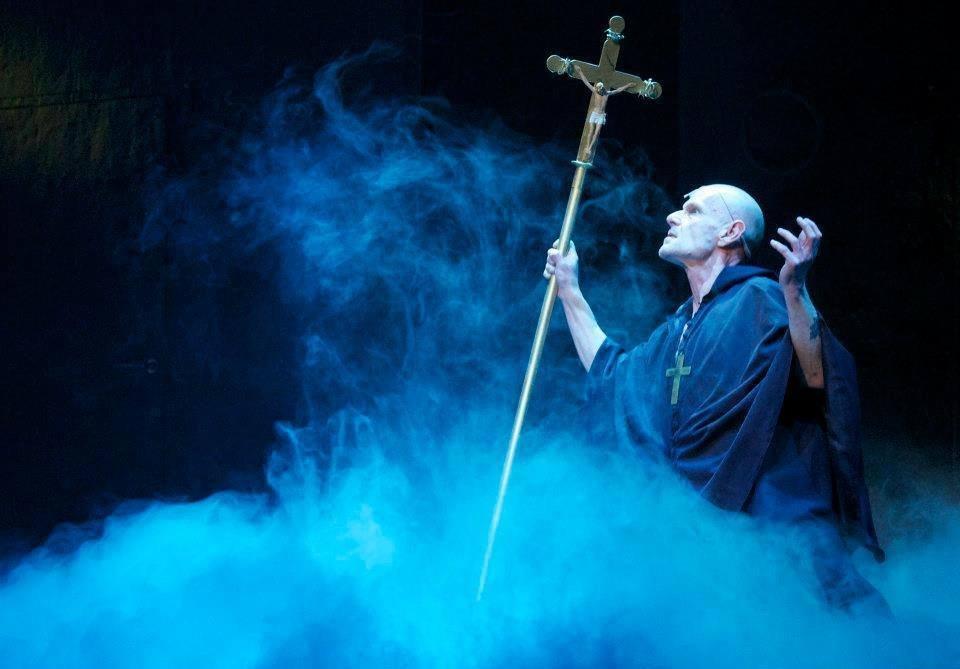 Vladimír Marek (†69) v představení Lucrezia Borgia.