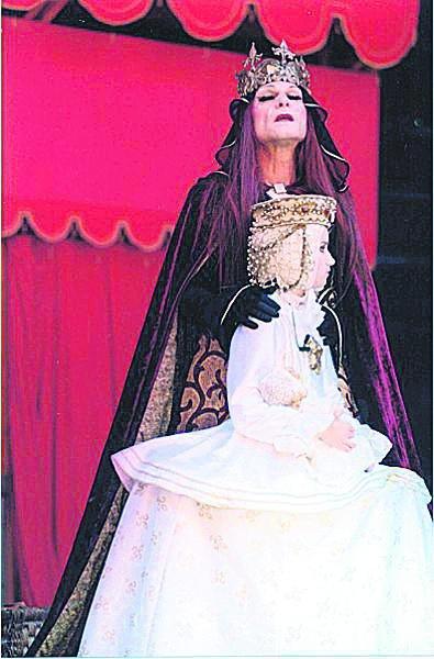 2002 RICHARD III. Jako královna Alžběta v režii Vladimíra Morávka.