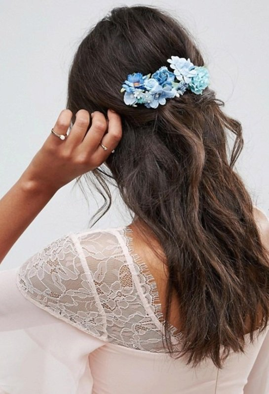 Květinová sponka do vlasů, Asos.com, £8