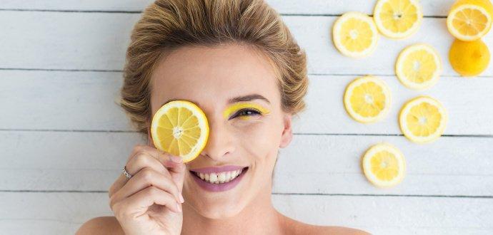 4 pádné důvody, proč pít vodu s citronem