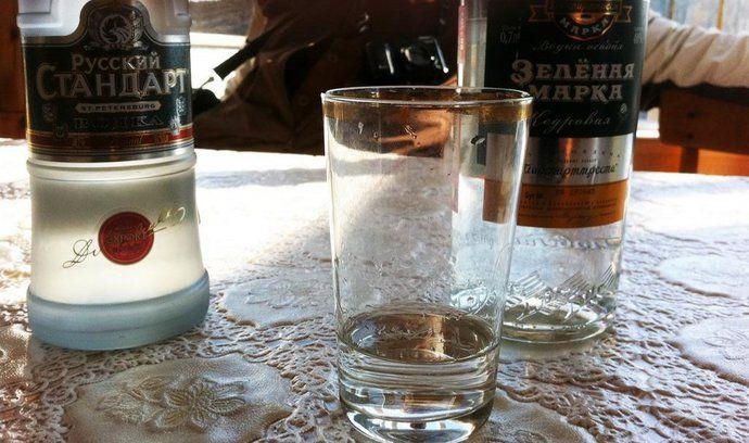 Vodka je v Rusku tradiční nápoj