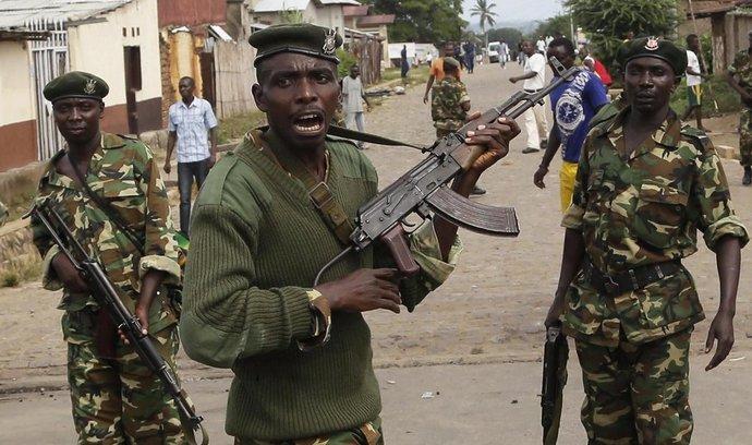 Vojáci v ulici hlavního město Bujumbura