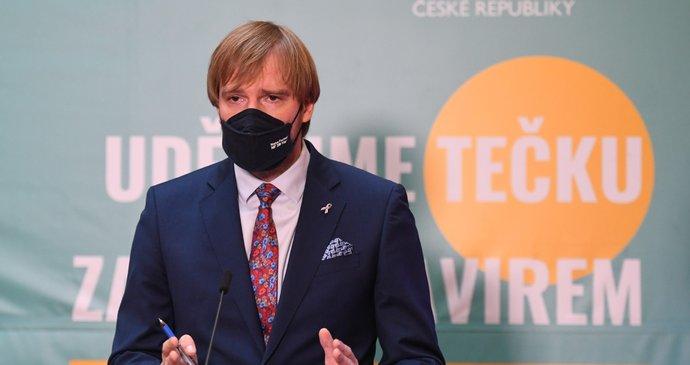Koronavirus ONLINE: Do hospody postačí samotest. A kopance kvůli roušce na benzince v Německu