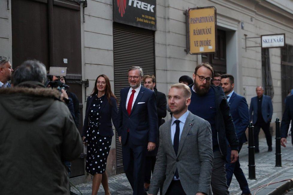 Koalice spolu porazila ve sněmovních volbách ANO Andreje Babiše (9. 10. 2021)
