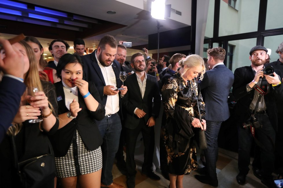 Volby 2021: Štáb Spolu (9.10.2021): Koalice oslavuje vítězství