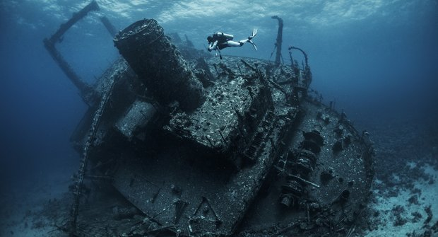 Poklady na dně moří: Jak přežívají lodní vraky?