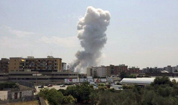 výbuch v továrně na pyrotechniku
