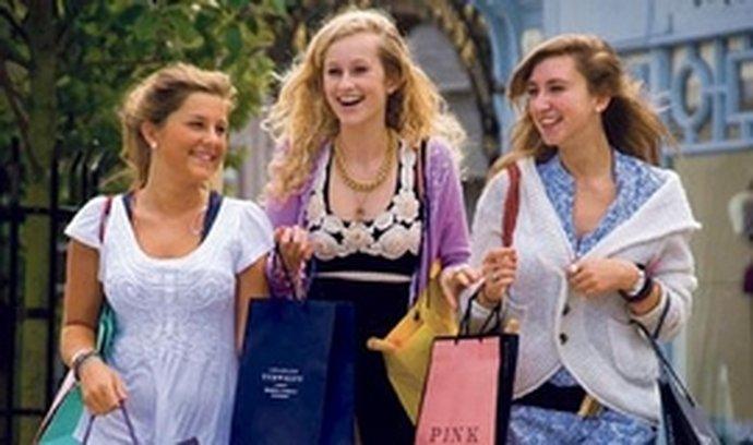 Výhodné nákupy. Nejlépe se za průměrnou mzdu žijea nakupuje v Lucembursku, Velké Británii, Nizozemsku,Norsku, Německu a Švýcarsku