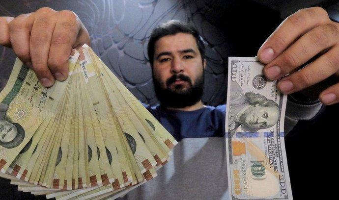 Výměna íránských riálů za americké dolary.