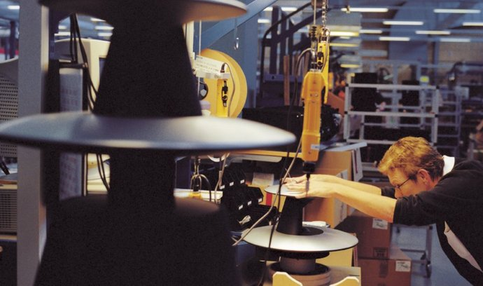 Výroba reproduktorů Bang & Olufsen