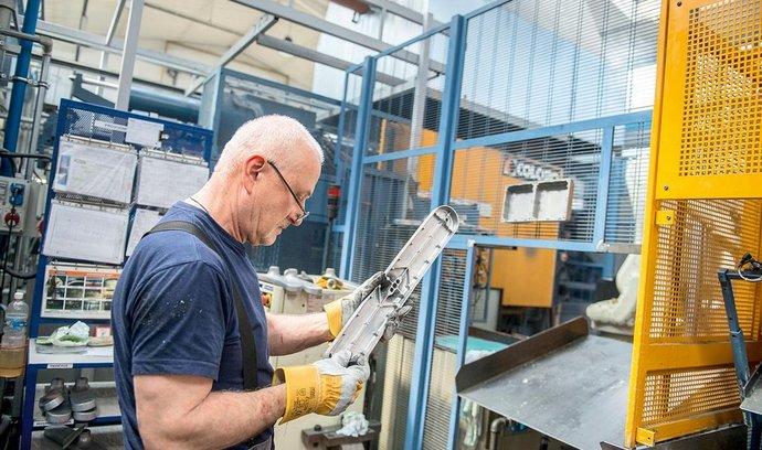 Výroba zámků ve firmě Tokoz