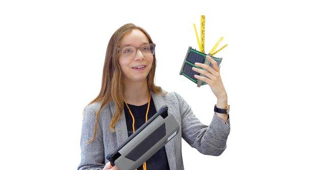 WISA Woodsat: První družice ze dřeva nebo ptačí budka se selfie tyčí?