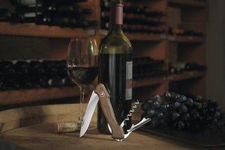 Užijte si pravou chuť vína s jedinečným kapesním nožem