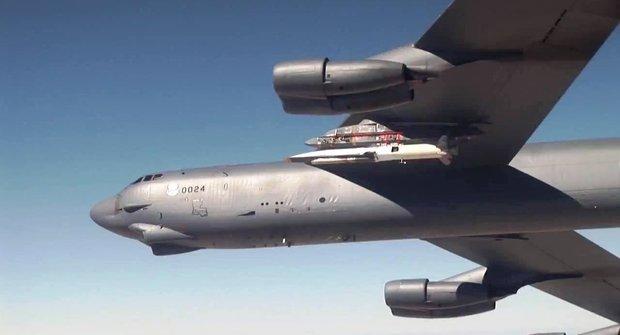 Podařilo se! Boeing X-51 se řítí hypersonickou rychlostí