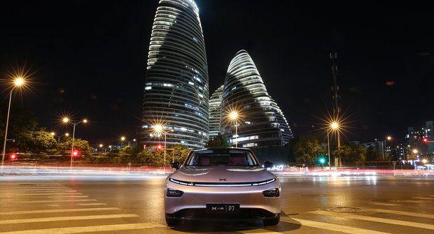 Tesla z Číny: Co má společného iPhone, Xbox, PlayStation a Xpeng P7?