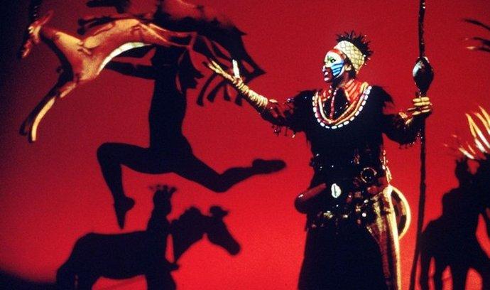 Z broadwayského muzikálu The Lion King