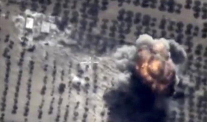 Záběry z ruského náletu v Sýrii