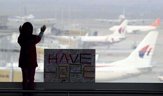 Záchranáři stále neobjevili zmizelé letadlo Malaysia Airlines