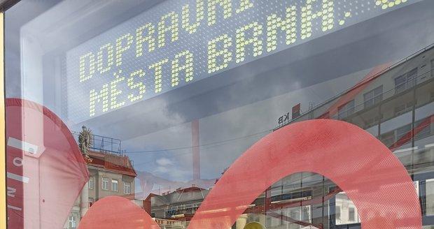 Žlutá tramvaj je poctou záchranářům i zdravotníkům zasahujícím v době covidu.
